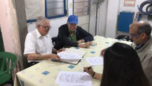 18-11-2017: Examen. Los veedores del Radioclub Morón Nidia (LW9ETN) y Jorge (LW1DOV, Juan (LU7DJH) y Carlos (LU7EIY), presidente y secretario de LU4EV, firmando las actas de examen.