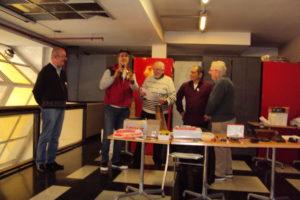 LU8VCC recibe el premio. Entrega LU7EIY